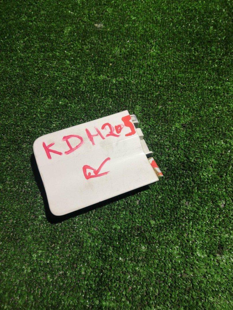 Планка под стоп Toyota Hiace KDH205 задняя (б/у)