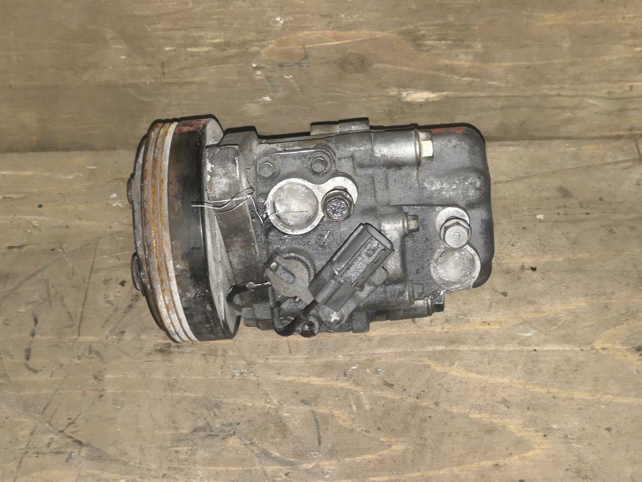 Компрессор кондиционера Honda Life JB1 E07ZT (б/у)