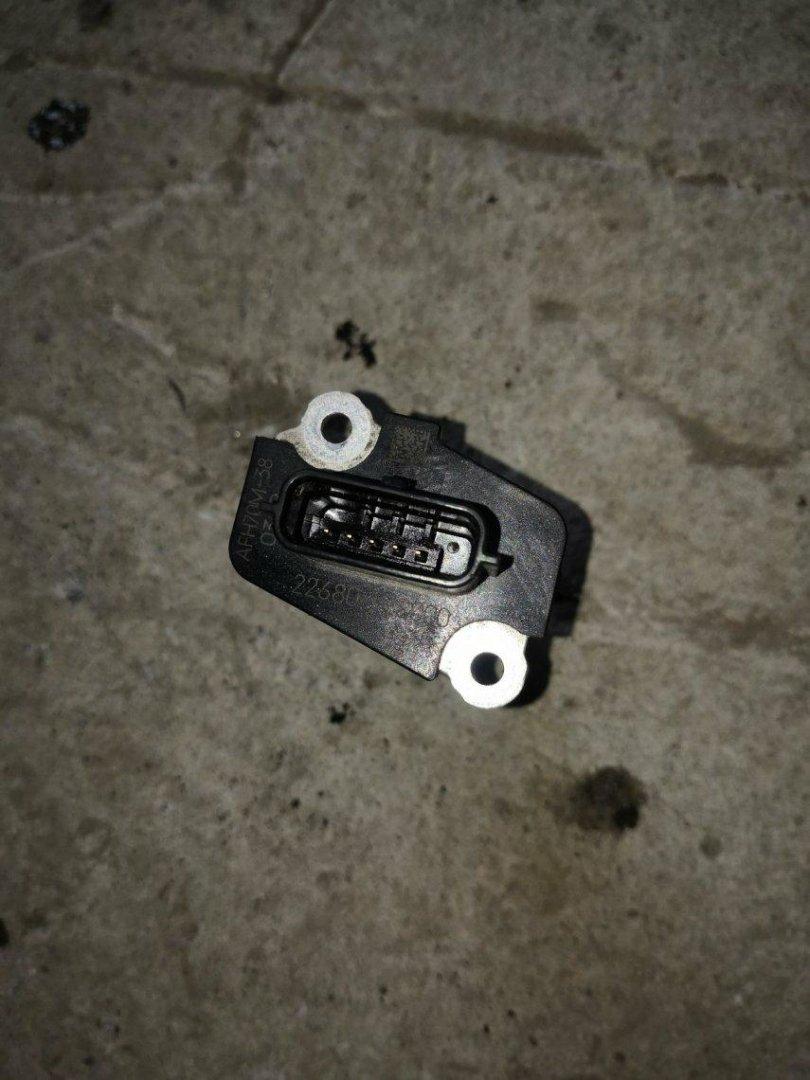 Датчик расхода воздуха Nissan Ad VY12 QR20DE (б/у)