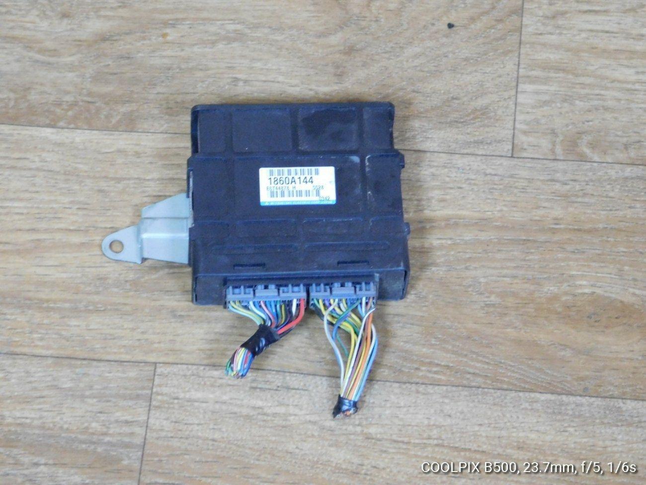 Катушка зажигания Mitsubishi Minicab U61V 3G83 (б/у)