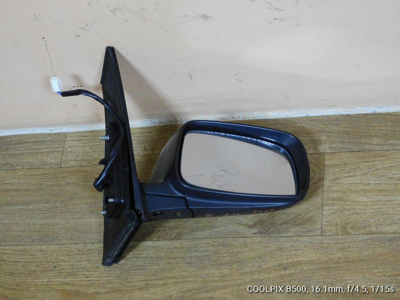 Зеркало Toyota Prius NHW20 1NZFXE переднее правое (б/у)