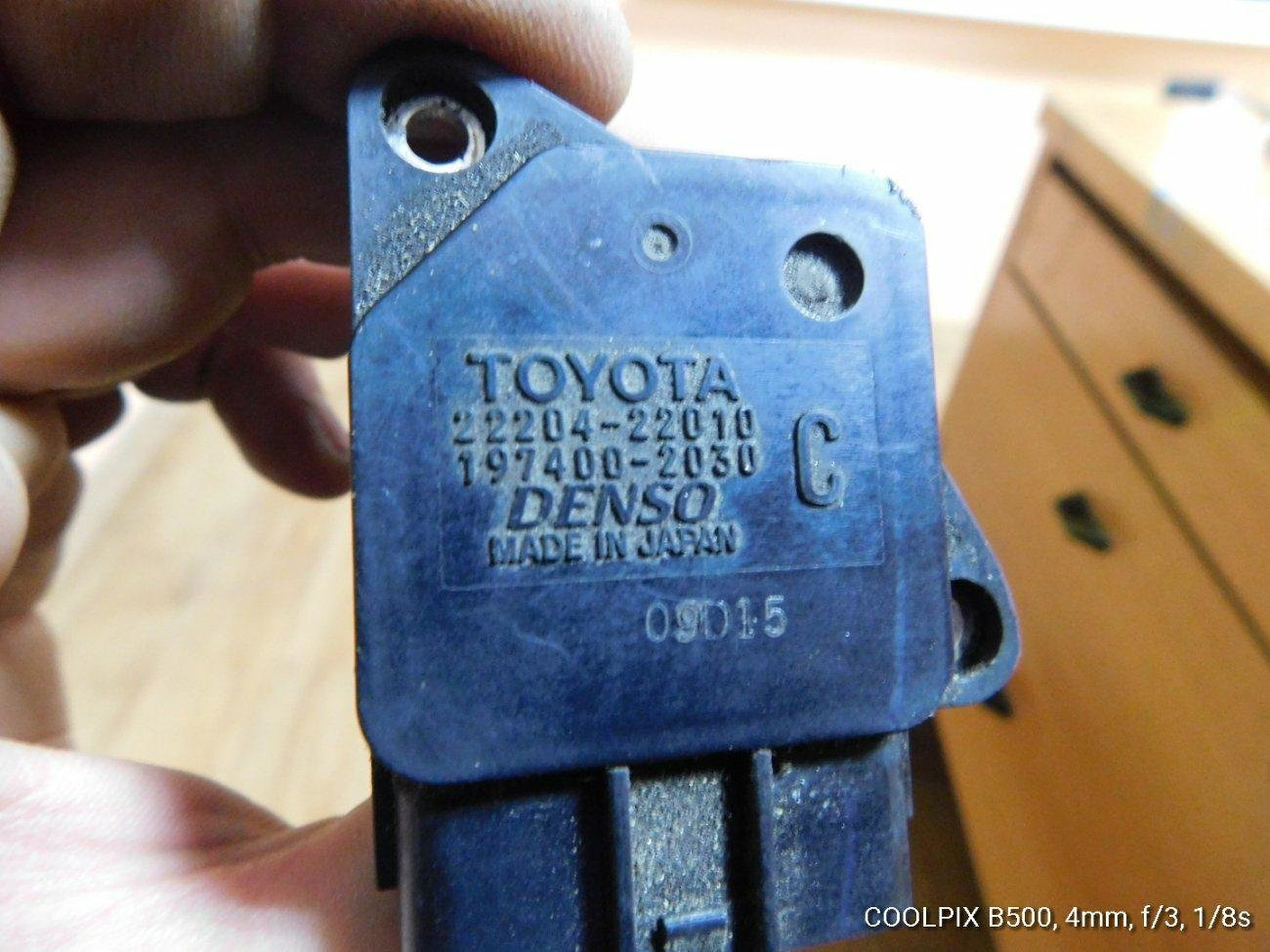 Датчик расхода воздуха Toyota Camry MCV30 1MZFE (б/у)