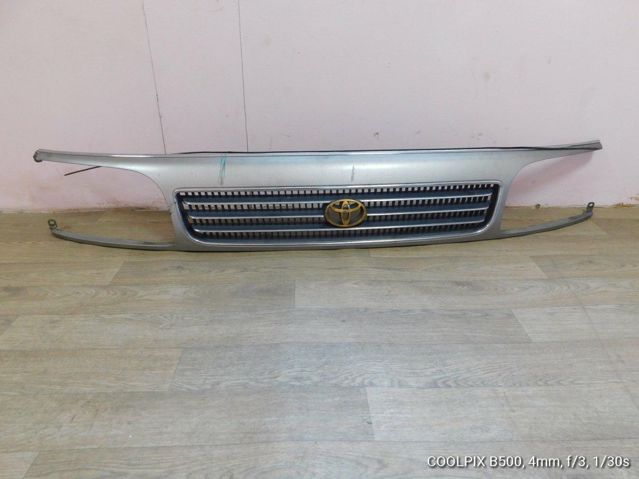 Решетка радиатора Toyota Hiace KZH106 1KZTE (б/у)