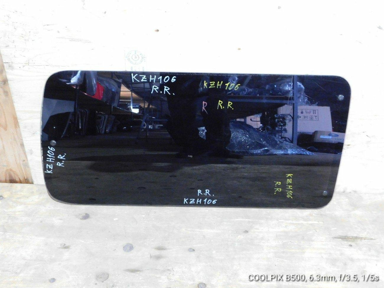 Стекло Toyota Hiace KZH106 1KZ заднее левое (б/у)