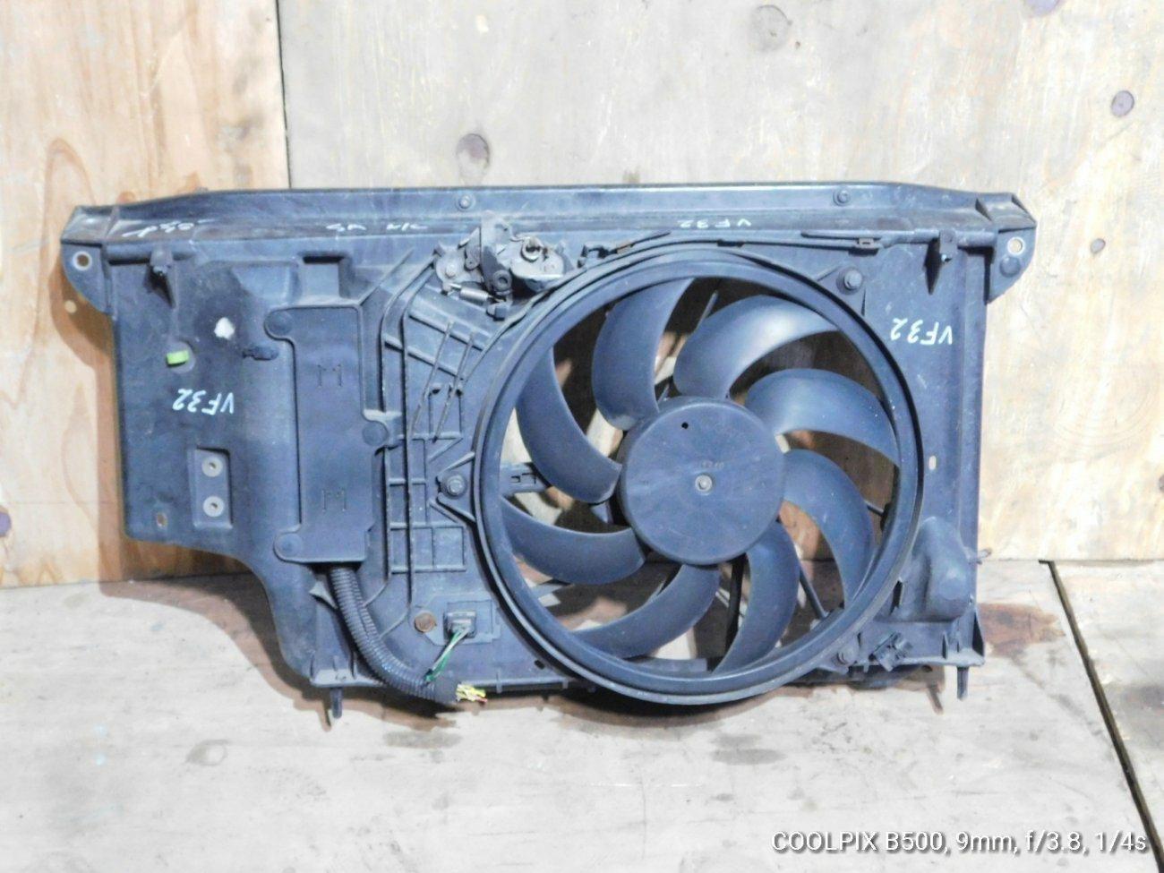 Диффузор радиатора Peugeot 206 VF32 NFU (б/у)