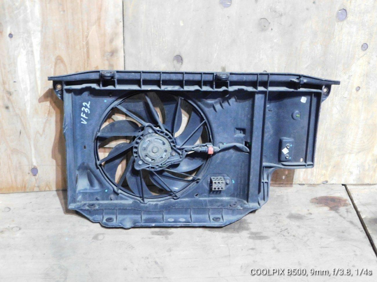 Телевизор Peugeot 206 VF32 NFU (б/у)