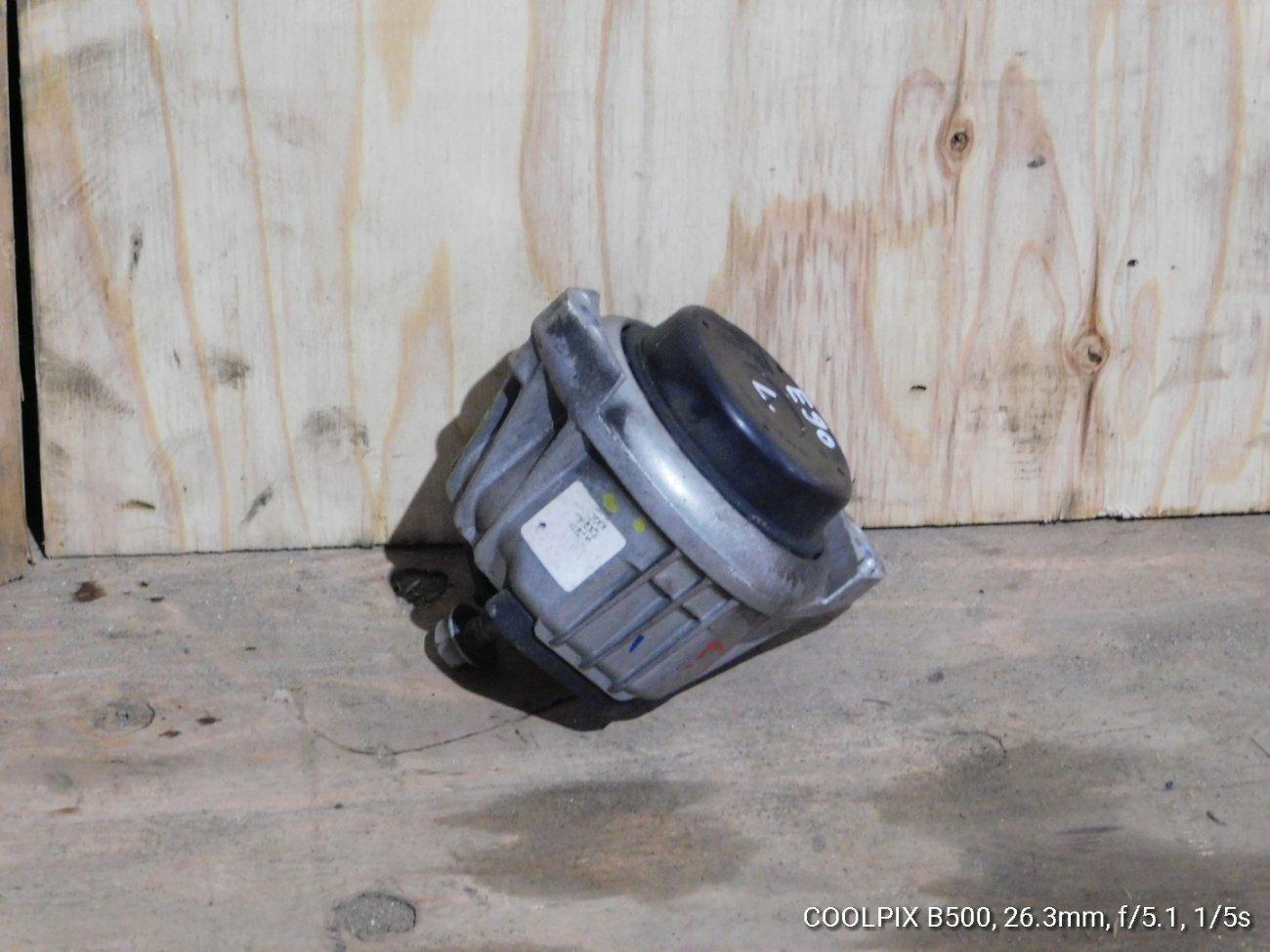 Подушка двигателя Bmw 3 Series E90 N46B20 левая (б/у)