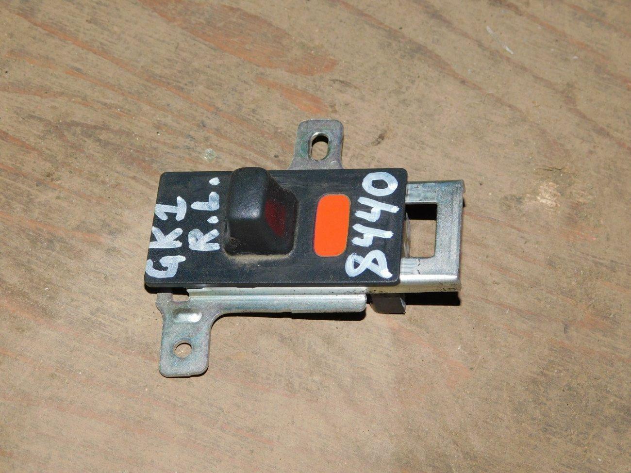 Ручка двери Honda Mobilio Spike GK1 L15A задняя левая (б/у)