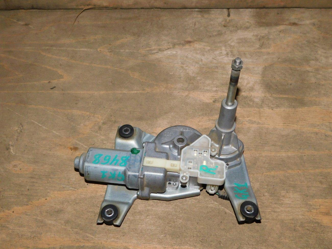 Мотор дворников Honda Mobilio Spike GK1 L15A задний (б/у)