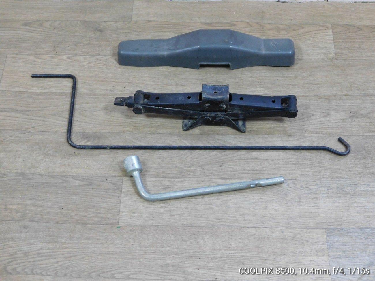 Домкрат Mitsubishi Minicab U61T 3G83 (б/у)