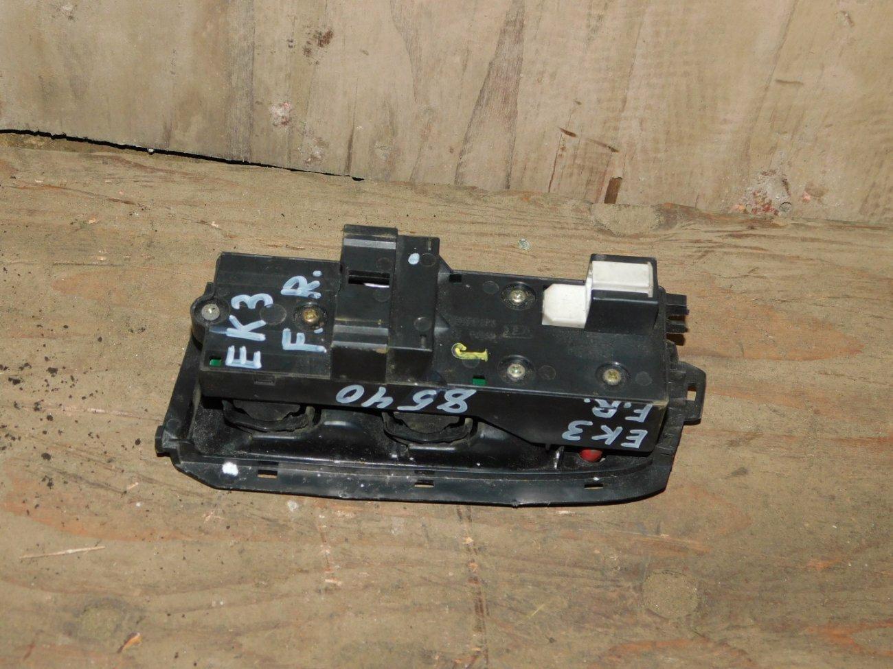 Блок управления стеклоподъемниками Honda Civic EK3 D15B передний правый (б/у)