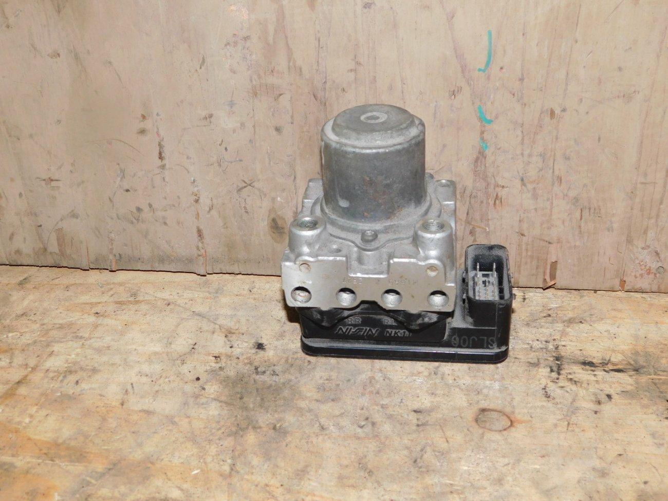 Блок abs Honda Civic FD3 LDA (б/у)