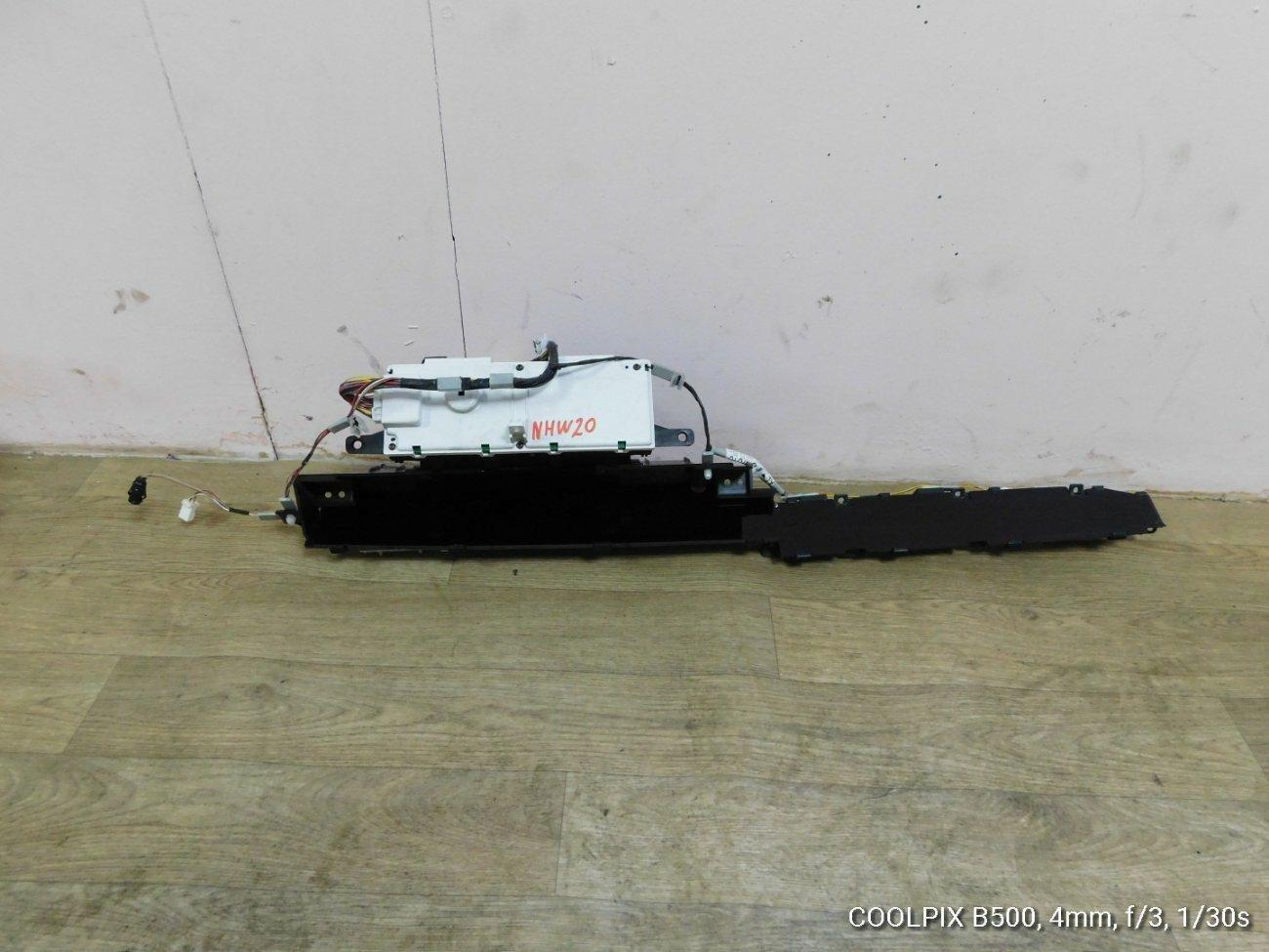 Спидометр Toyota Prius NHW20 1NZFXE (б/у)