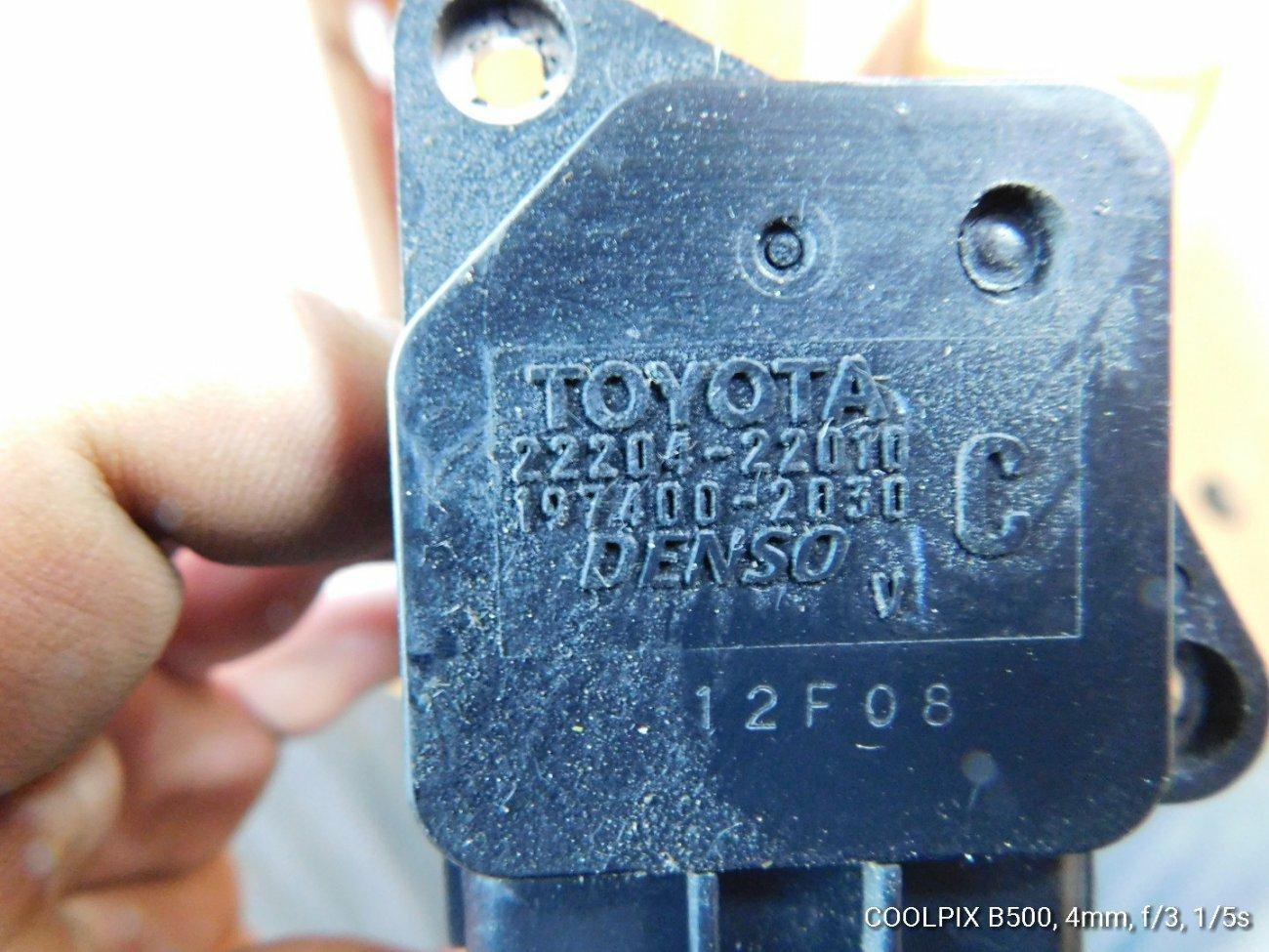 Датчик расхода воздуха Toyota Funcargo NCP10 1NZFE (б/у)