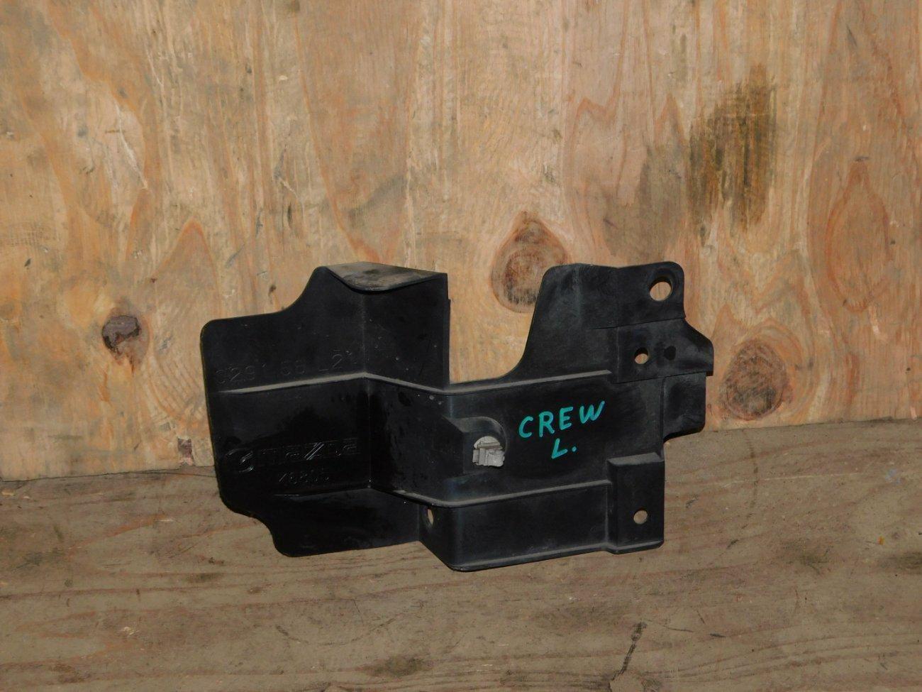 Защита радиатора Mazda Premacy CREW LF левая (б/у)