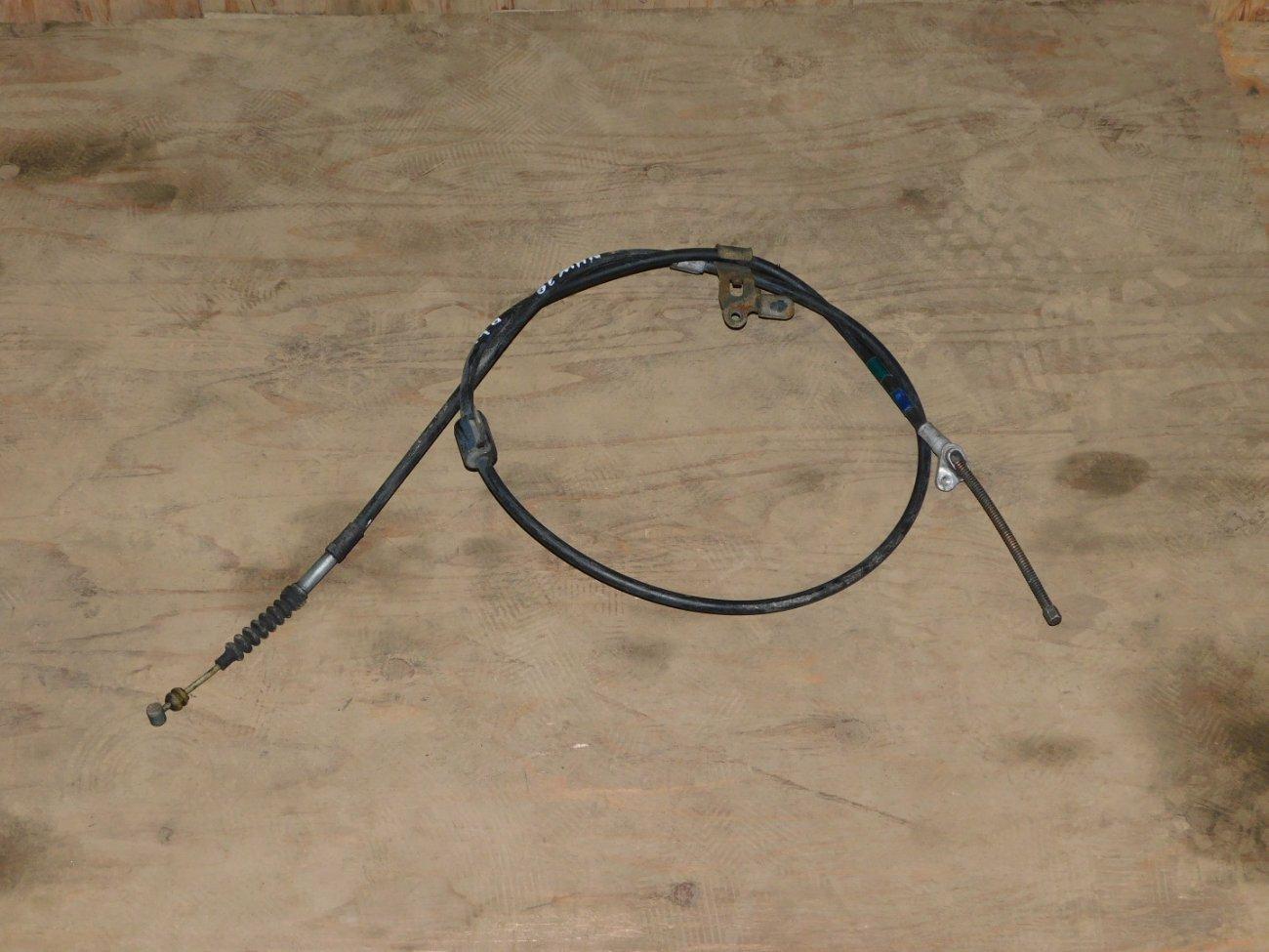 Тросик ручника Toyota Prius NHW20 1NZFXE задний левый (б/у)