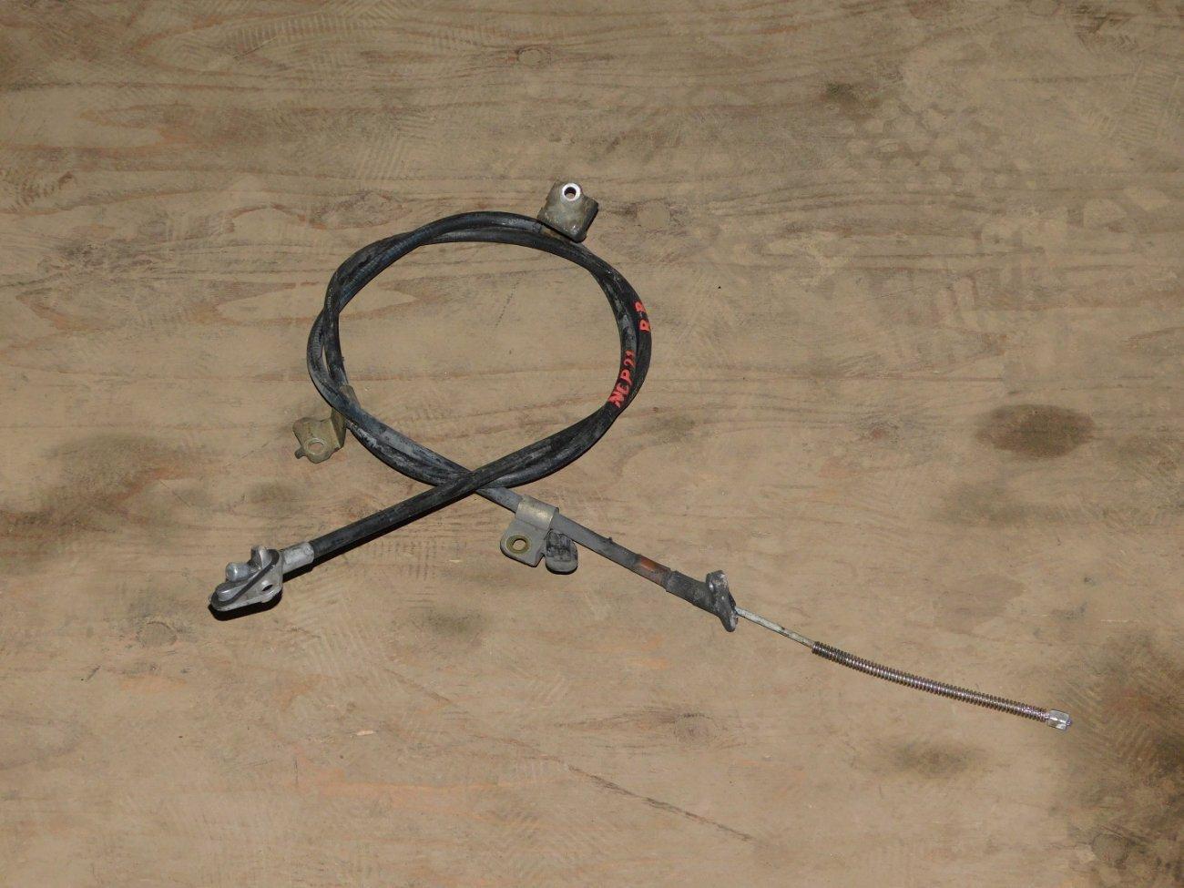Тросик ручника Toyota Funcargo NCP20NCP21 1NZ задний левый (б/у)