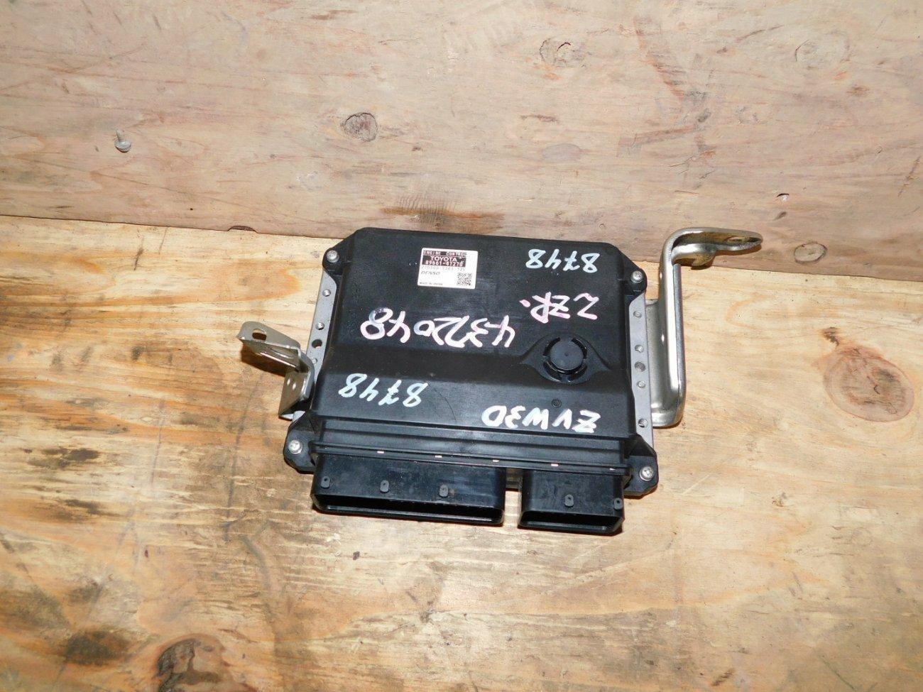 Блок управления efi Toyota Prius ZVW30 2ZRFXE (б/у)