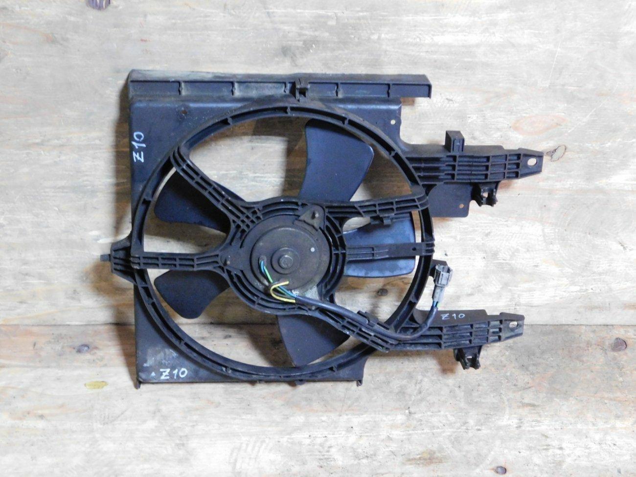 Диффузор радиатора Nissan Cube Z10 CGA3 (б/у)