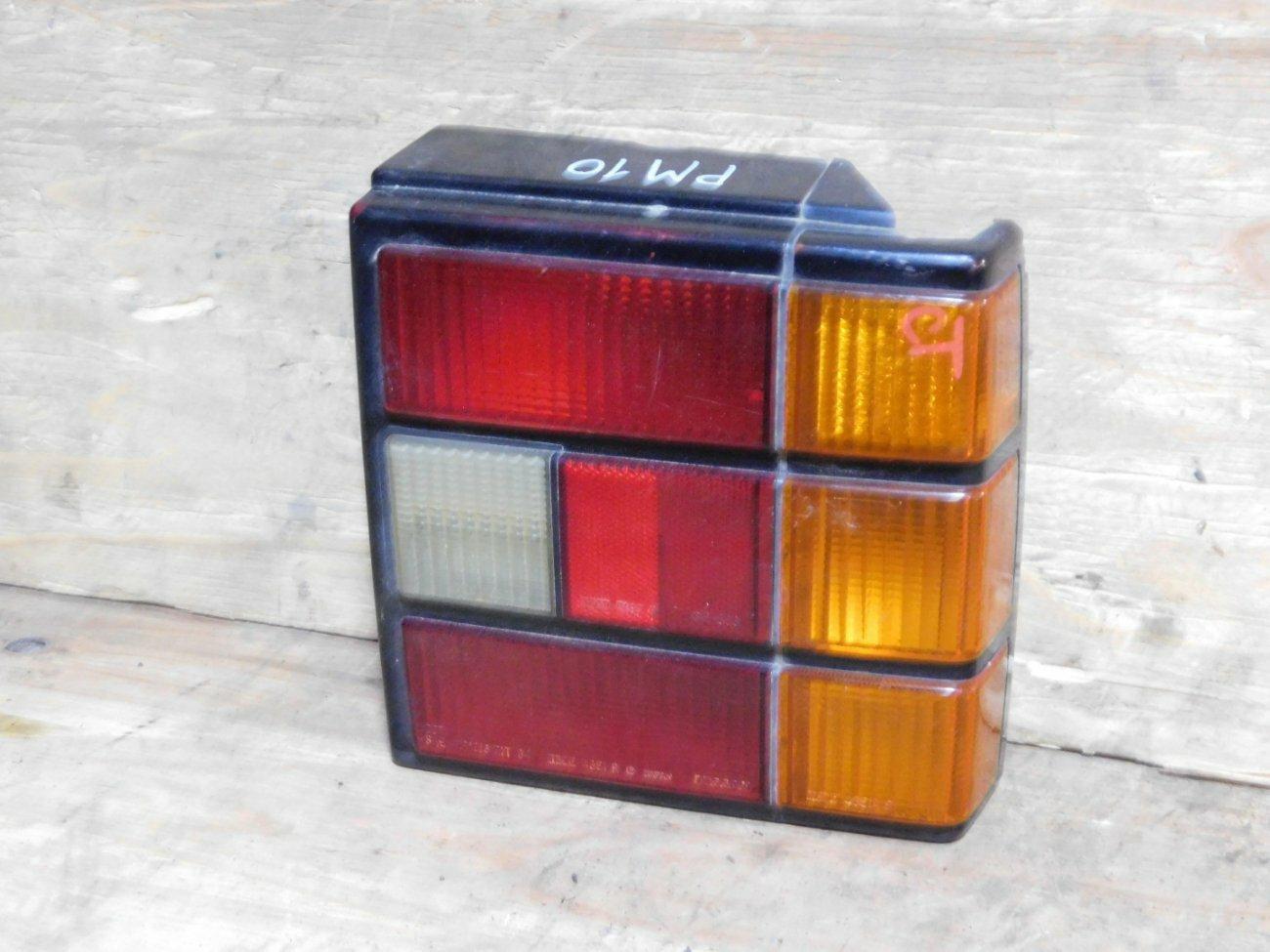 Стоп-сигнал Nissan Prairie PM10 левый (б/у)
