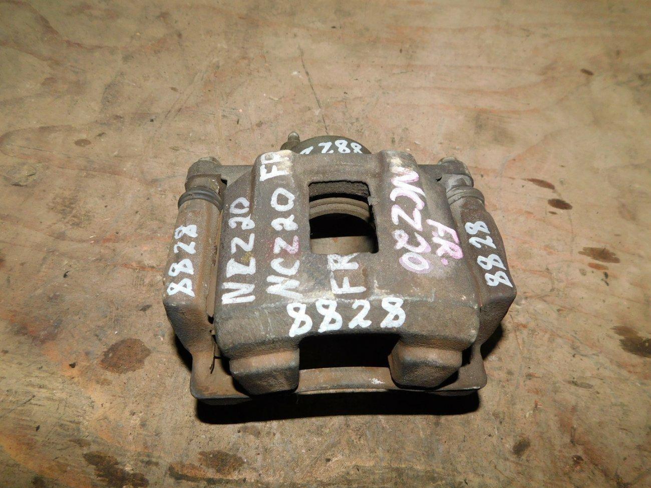 Суппорт Toyota Raum NCZ20 1NZFE передний левый (б/у)