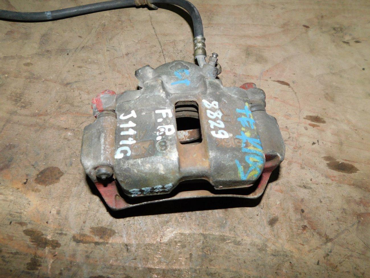 Суппорт Daihatsu Terios Kid J111G EFDET передний правый (б/у)