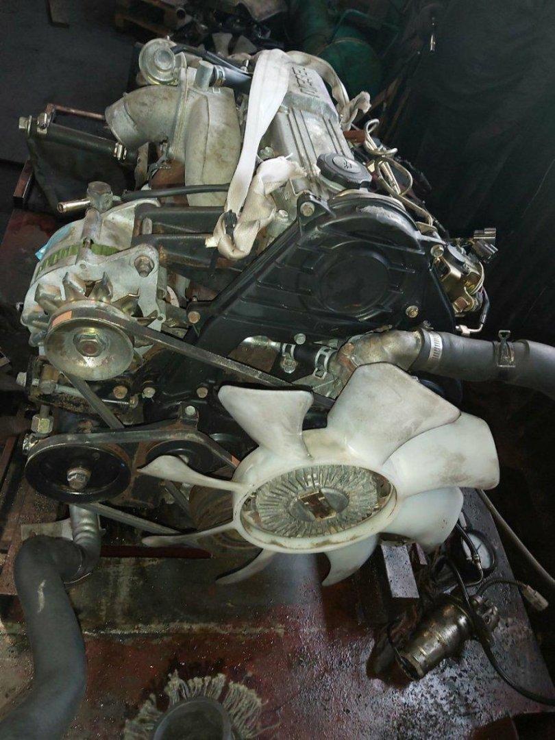Двигатель Nissan Bongo SD28M R2 (б/у)