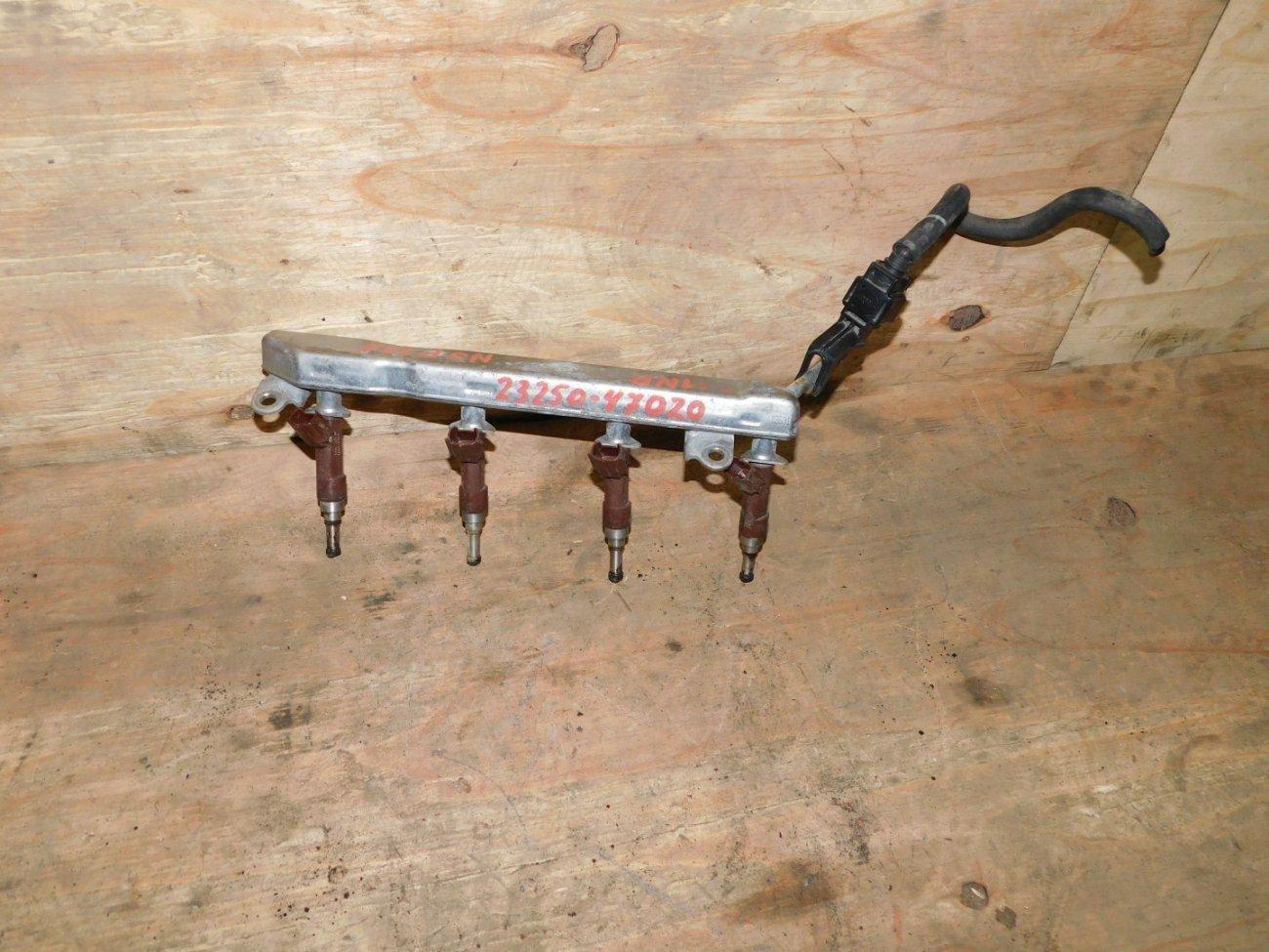 Форсунка инжекторная Toyota Vitz NSP135 1NRFE (б/у)