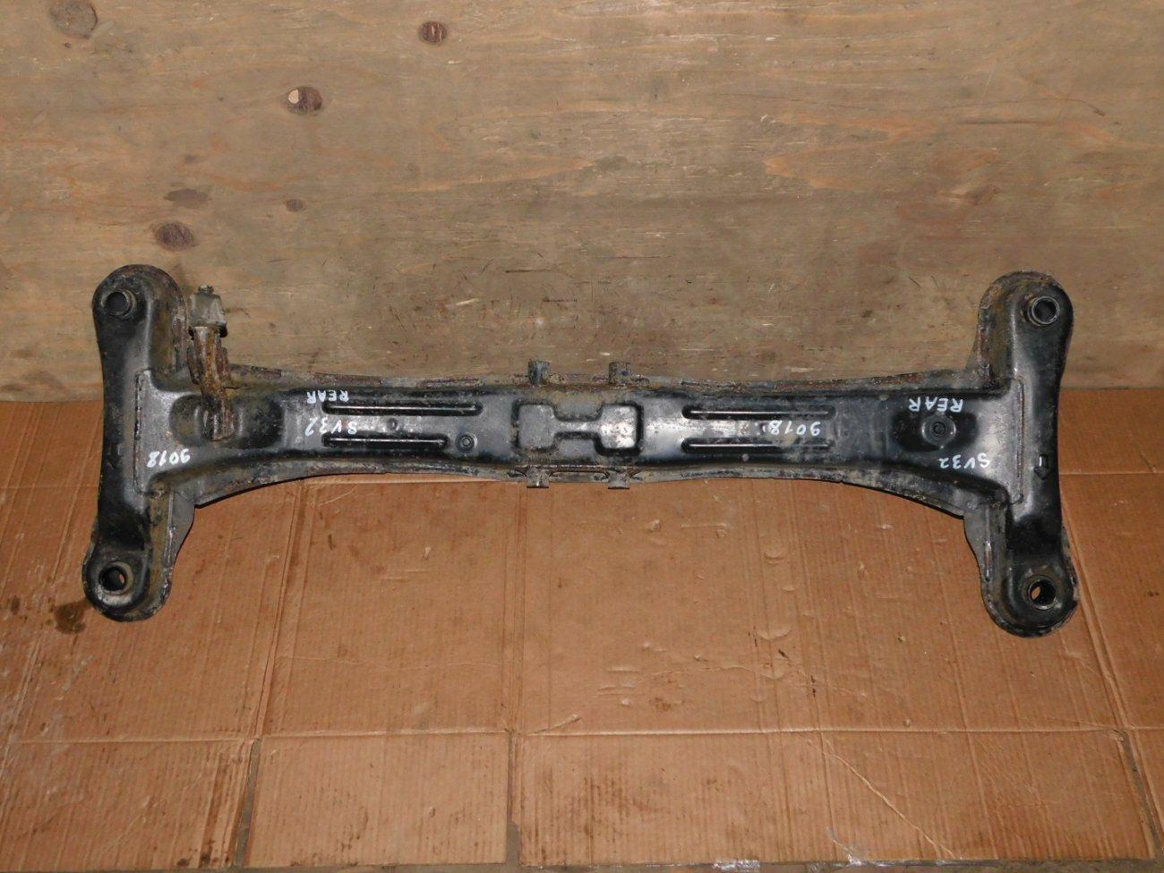 Балка подвески Toyota Vista SV32 3SFE задняя (б/у)
