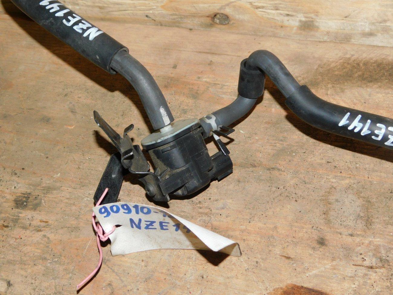 Вакуумный клапан Toyota Corolla Axio NZE141 1NZFE (б/у)