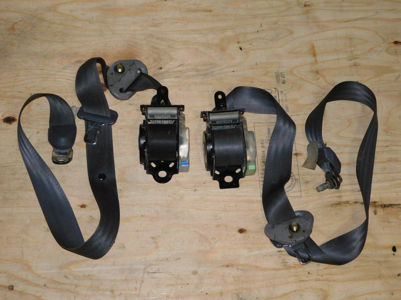 Ремень безопасности Toyota Ipsum SXM10SXM15 3SFE передний (б/у)