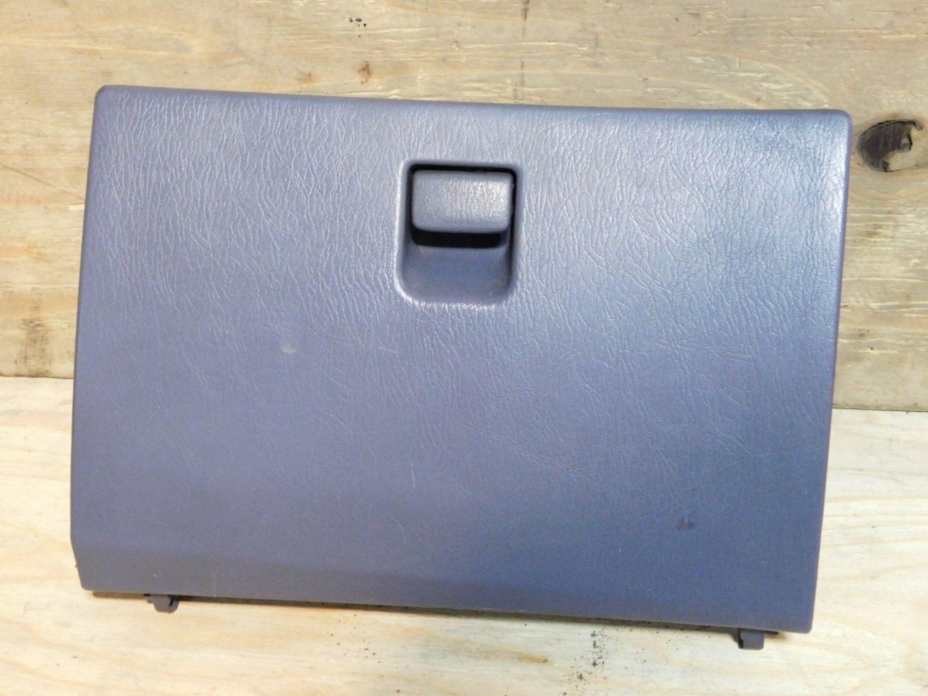 Бардачок пассажирский Toyota Ipsum SXM10 3SFE (б/у)