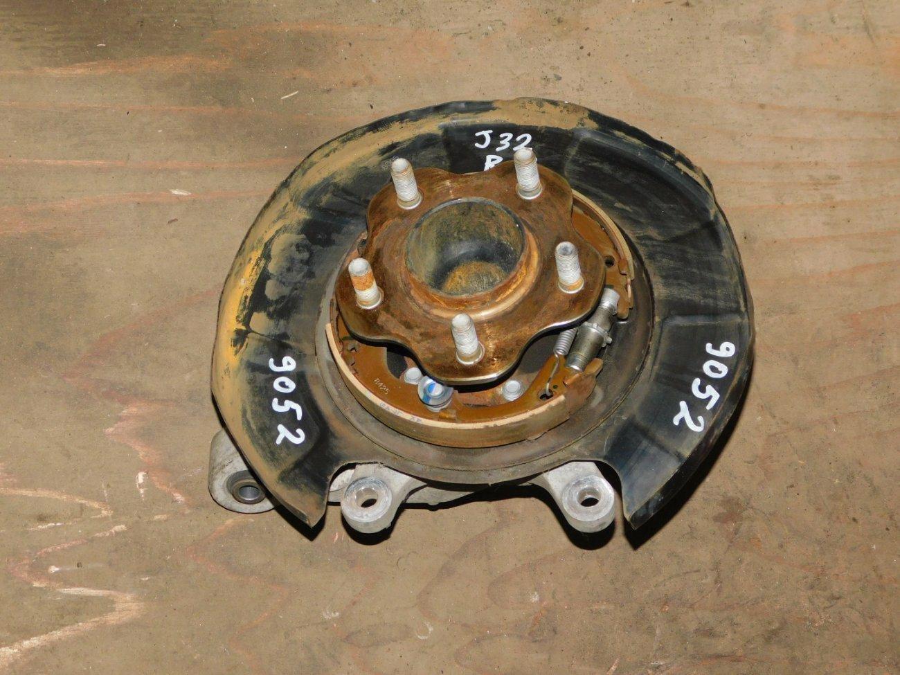 Ступица Nissan Teana J32 VQ25DE задняя правая (б/у)