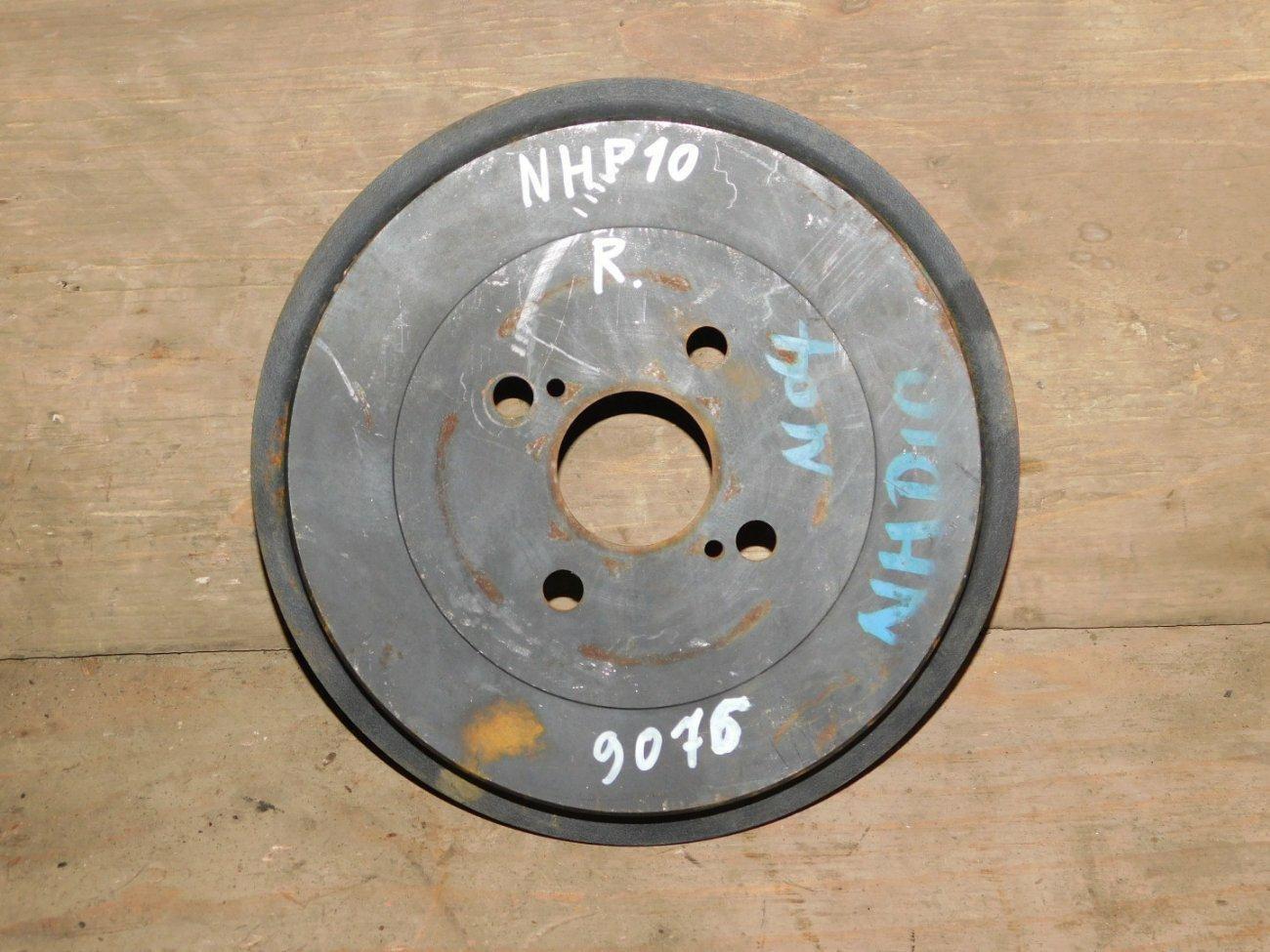 Тормозной барабан Toyota Aqua NHP10 1NZFXE задний (б/у)