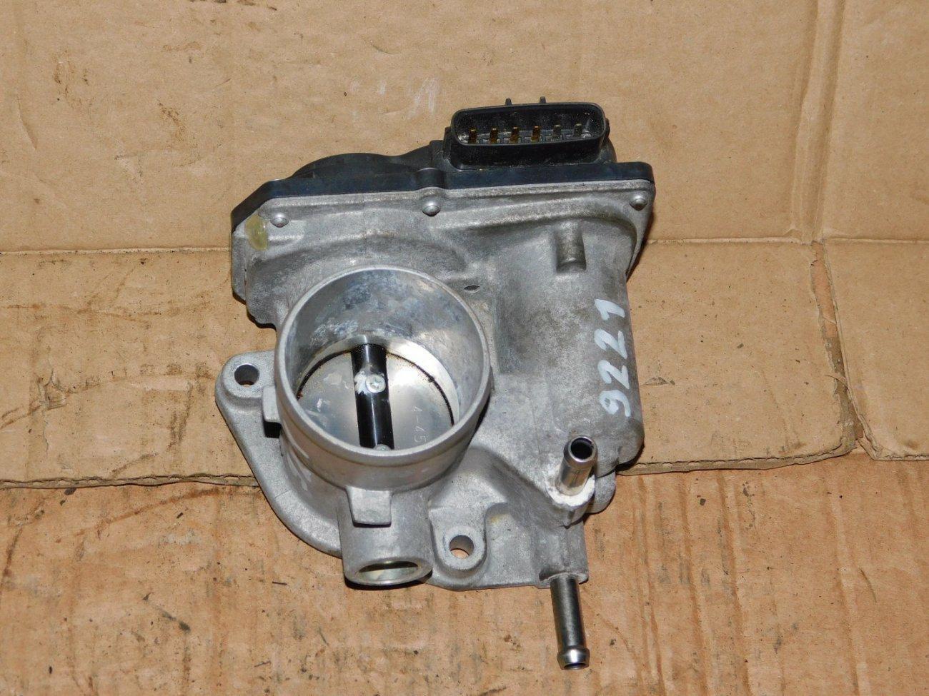 Дроссельная заслонка Toyota Aqua NHP10 1NZFXE (б/у)