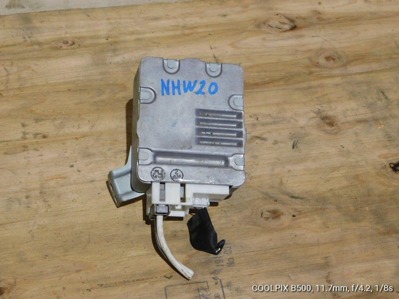 Блок управления рулевой рейкой Toyota Prius NHW20 1NZFXE (б/у)
