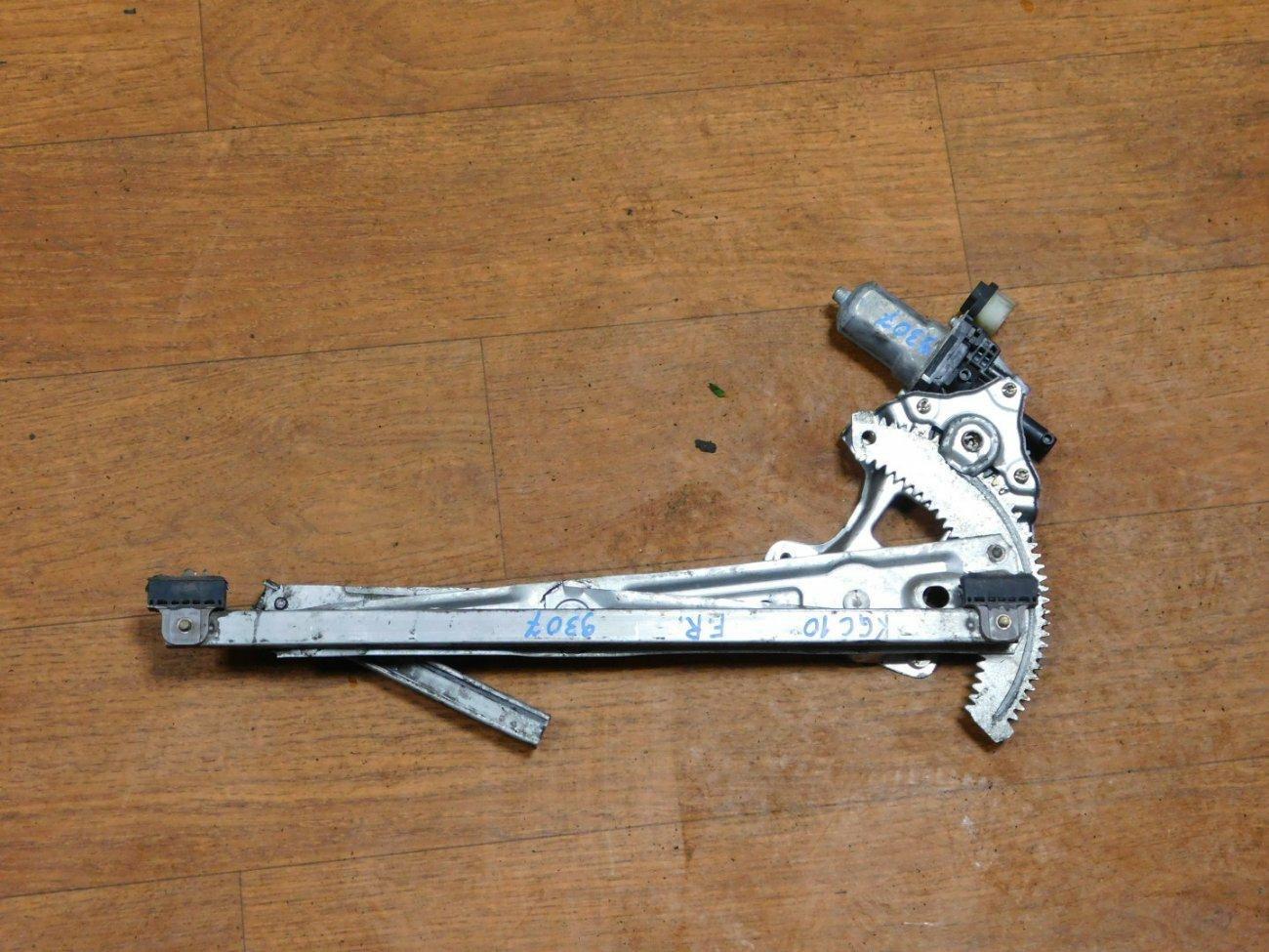 Стеклоподъемник Toyota Passo KGC10 1KRFE передний правый (б/у)