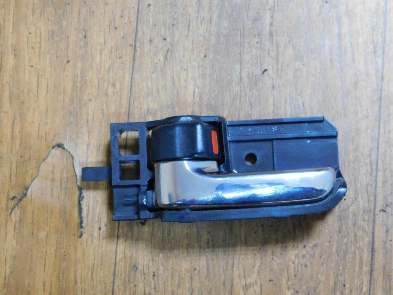 Ручка двери внутренняя Toyota Corolla NZE121 1NZFE передняя левая (б/у)