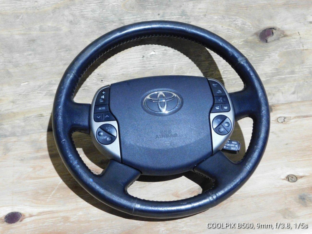 Руль Toyota Prius NHW20 1NZFXE (б/у)