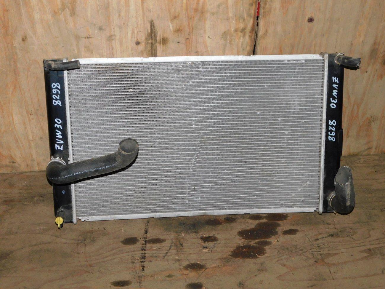 Радиатор основной Toyota Prius ZVW30 2ZRFXE (б/у)