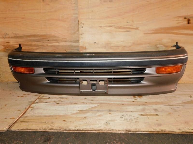 Бампер Toyota Hiace KZH106 1KZT передний (б/у)
