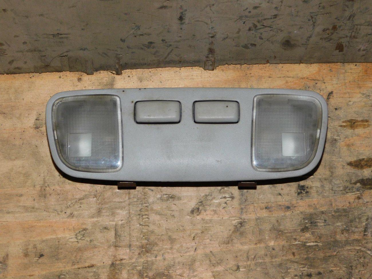 Плафон салонный Toyota Vista SV32 3SFE (б/у)