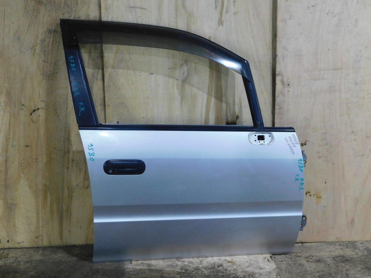 Дверь Honda Odyssey RA1 передняя правая (б/у)