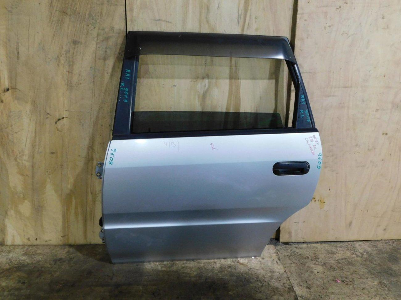 Дверь Honda Odyssey RA1 задняя левая (б/у)