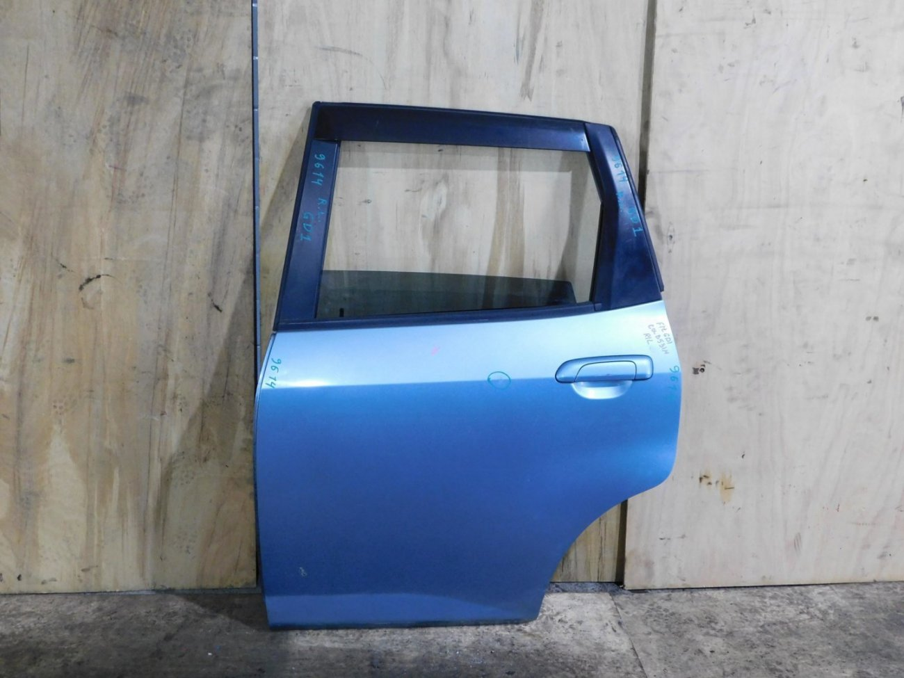 Дверь Honda Fit GD1 задняя левая (б/у)