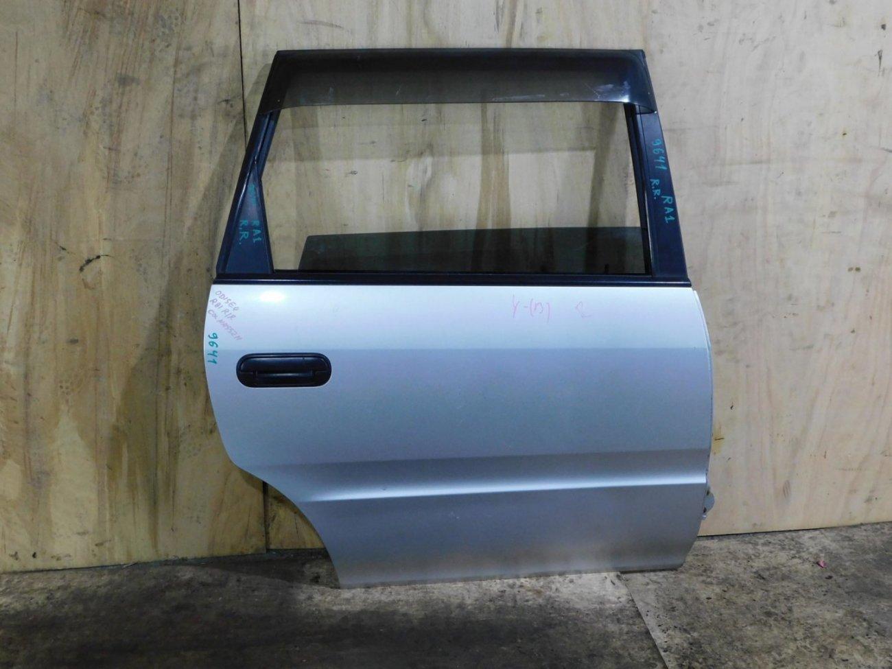 Дверь Honda Odyssey RA1 задняя правая (б/у)