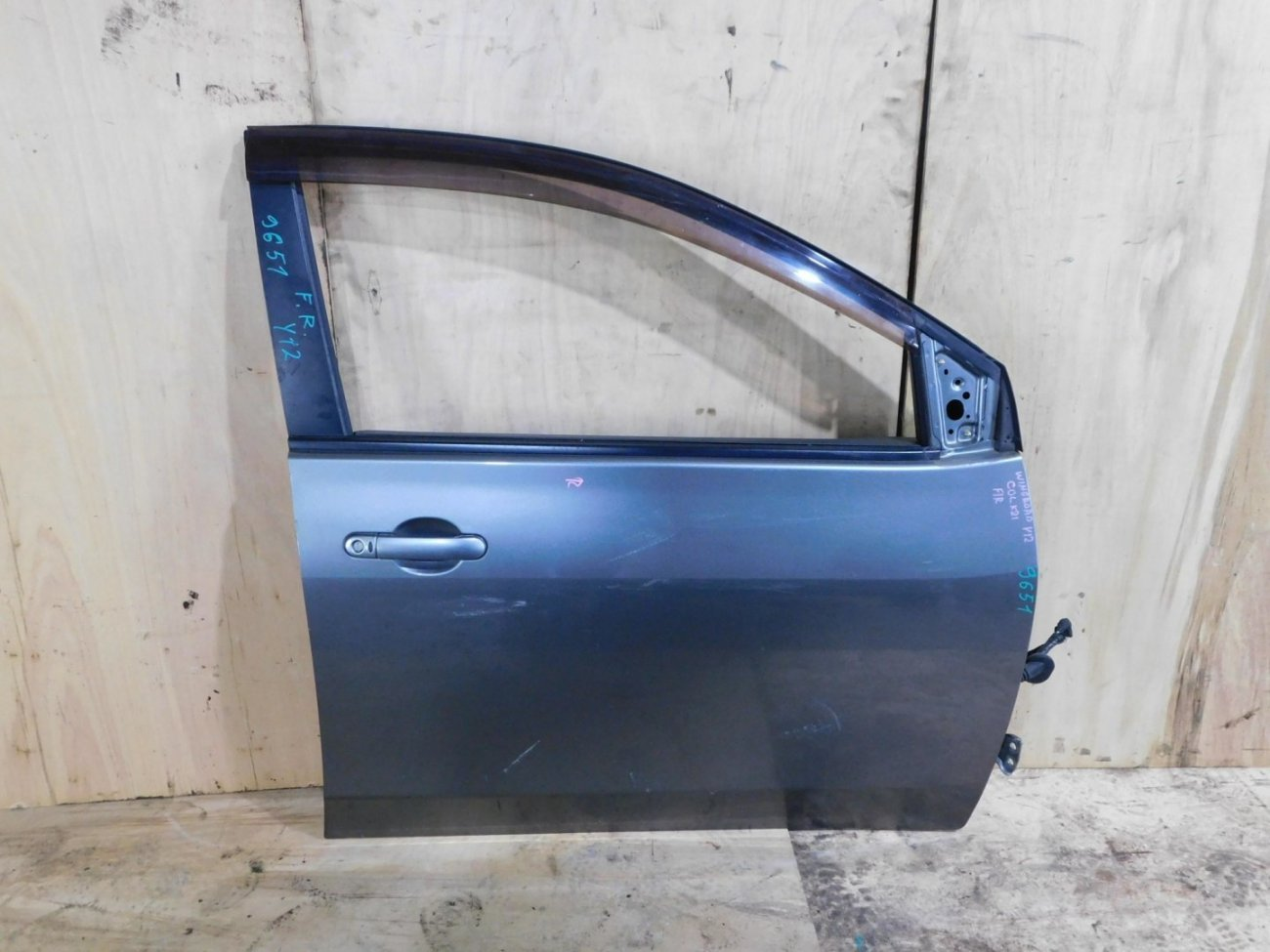 Дверь Nissan Wingroad Y12 передняя правая (б/у)