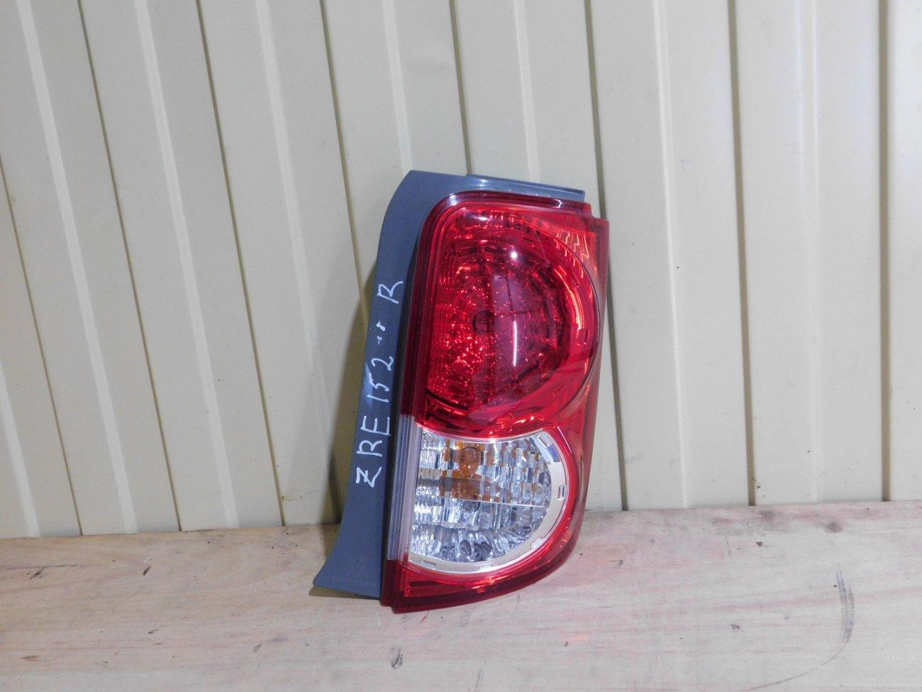 Стоп-сигнал Toyota Corolla Rumion ZRE152 2ZR задний правый (б/у)