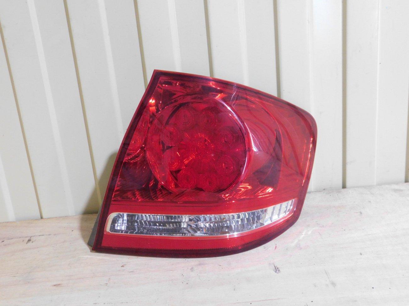 Стоп-сигнал Toyota Allion AZT240 1AZFSE задний правый (б/у)