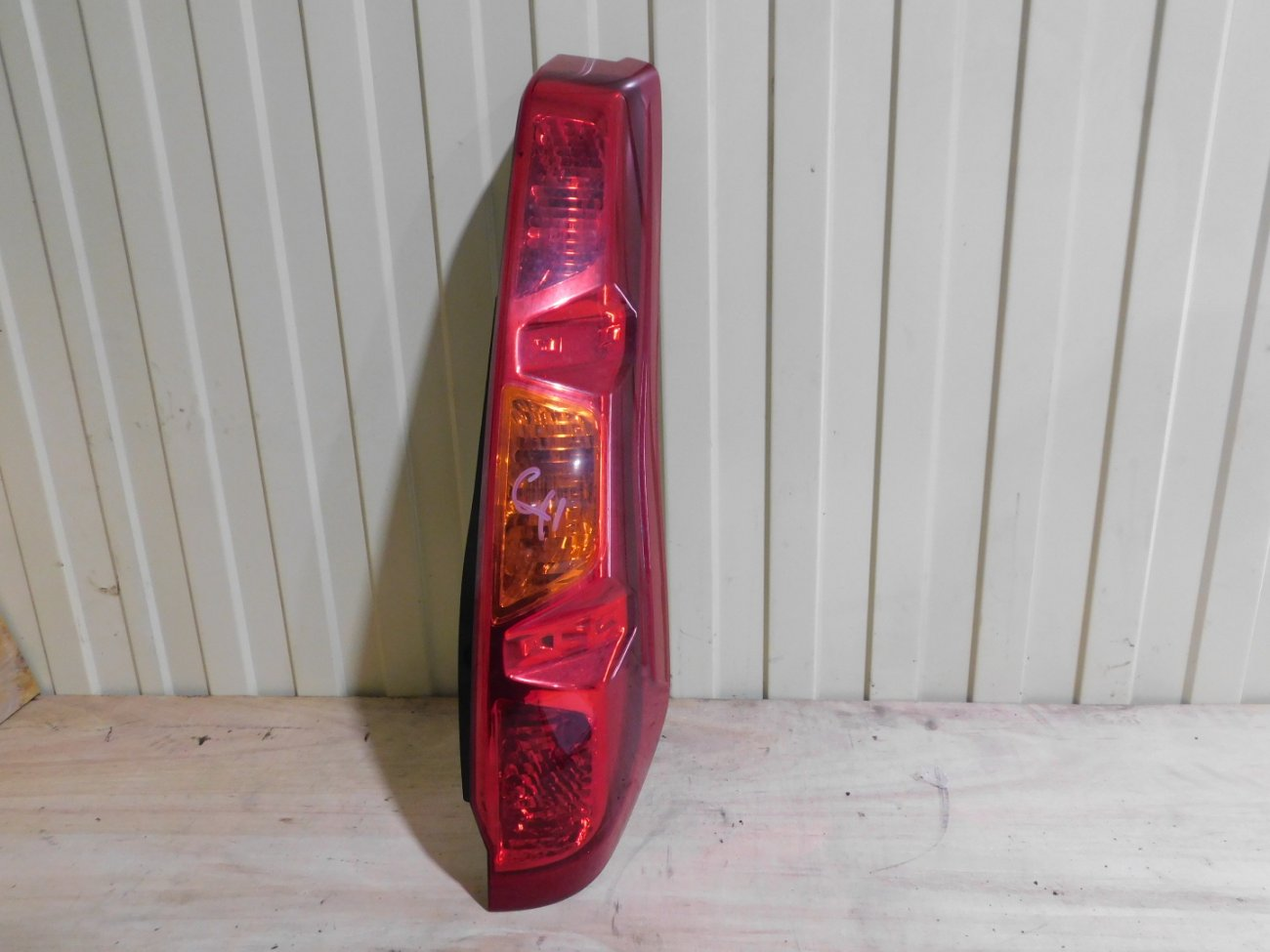 Стоп-сигнал Nissan X-Trail NT31 MR20DE задний правый (б/у)